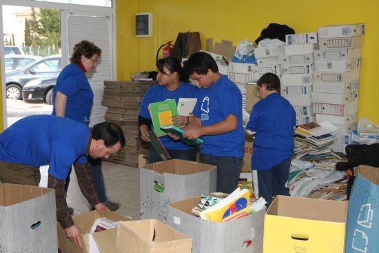 Varios voluntarios ambientales colaboraron con el Proyecto Libro 2009