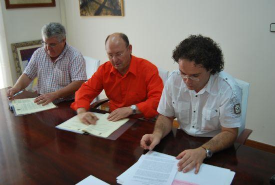 El Ayuntamiento y Facua Consumur firman un convenio de colaboración