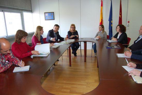El Ayuntamiento y la Consejería establecen los pasos a seguir para la construcción del nuevo IES Valle de Leiva en El Praíco
