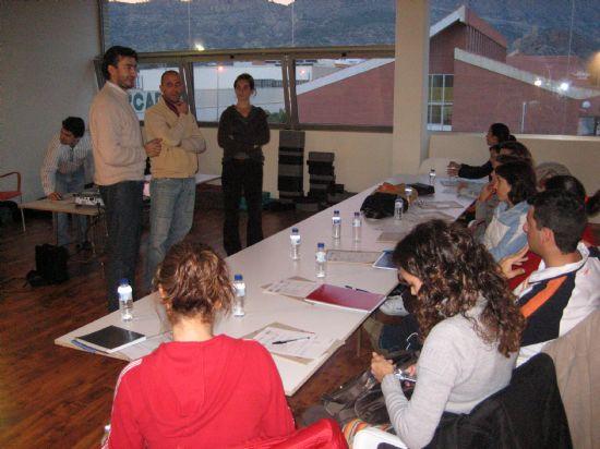 El Centro de Profesores y Recursos de Lorca elige la Piscina Cubierta como lugar para impartir un curso a profesionales sobre actividades acuáticas adaptadas para niños con necesidades especiales