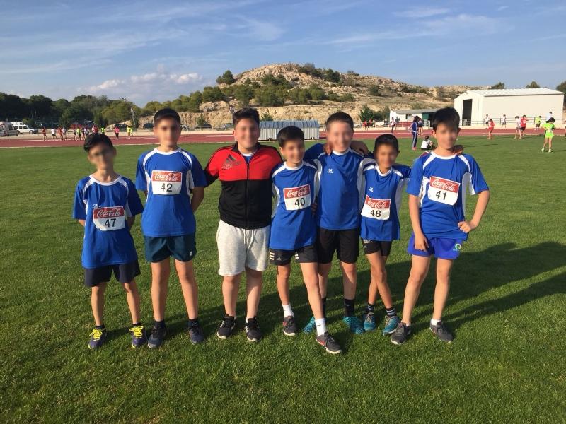 El atletismo escolar de Alhama suma varias medallas en la final regional por equipos