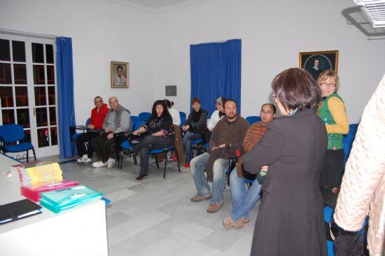 La sala de Audiovisuales del Centro Cultural Plaza Vieja acoge un curso dirigido al voluntariado