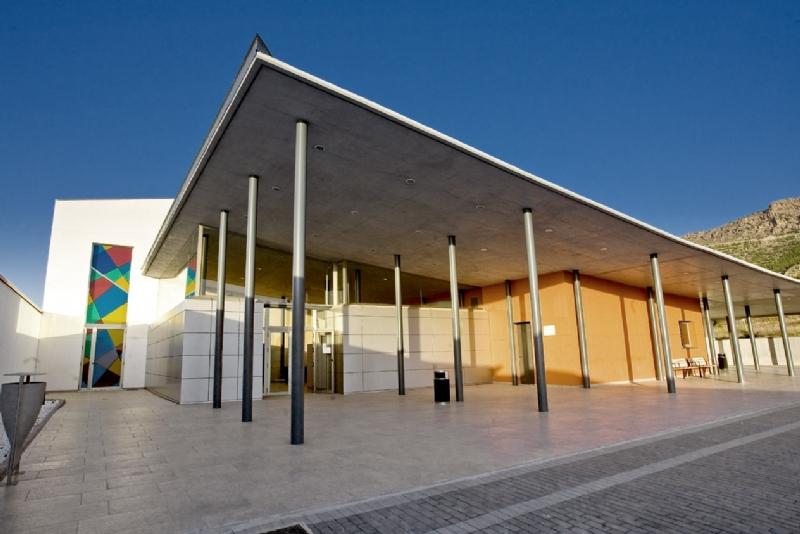 El tanatorio de Alhama vuelve a abrir al público durante las 24 h.