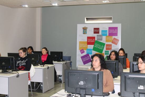 Mujer ha iniciado hoy el último curso programado en el primer trimestre del año