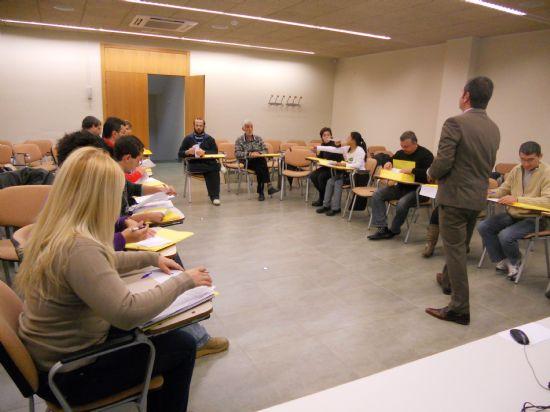 Empleo promueve el autoempleo a través de charlas informativas