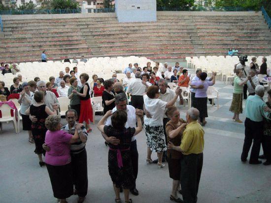 Los Mayores de la localidad disfrutaron con el inicio de la celebración de su semana