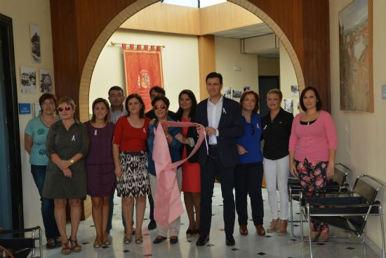 El Ayuntamiento de Alhama se suma a los actos del Día Mundial contra el Cáncer de Mama