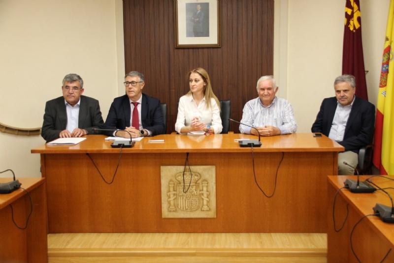 La CHS hace entrega de la concesión de 1,16 hm³ de la desaladora de Águilas a la Comunidad de Regantes de Alhama de Murcia