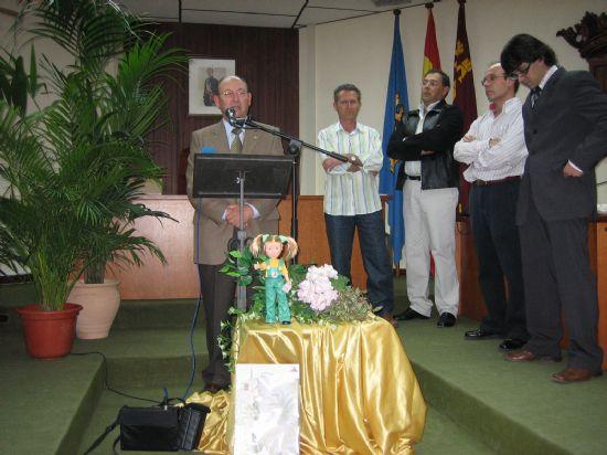 """La Concejalía de Parques y Jardines presenta la muñeca """"Alhamita"""""""