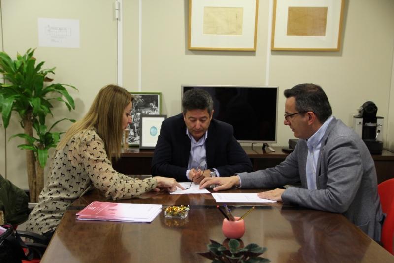 Mariola Guevara, Enrique Ujaldón y Diego Conesa