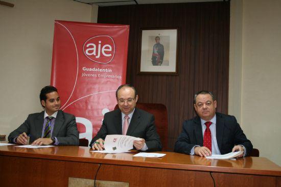 Alhama de Murcia y AJE Guadalentín firman convenio de colaboración para fomentar la creación de empresas en el municipio