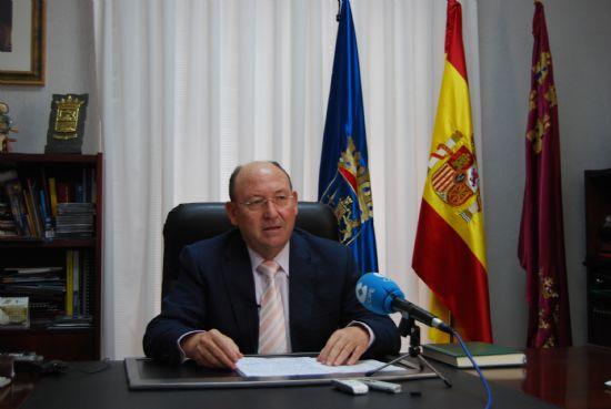 Juan Romero, alcalde de Alhama, resume las actuaciones desarrolladas en el año que acaba y avanza las numerosas e importantes previsiones para el 2009
