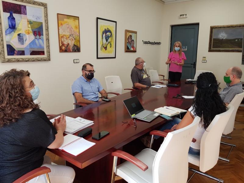 Educación y Servicios Sociales estudian programas conjuntos para los dos institutos públicos