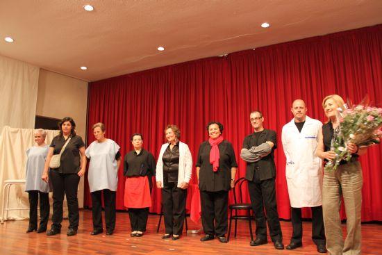 """Se realiza la obra de Teatro """"Humores Revueltos"""" del grupo de teatro alhameño """"Las Palmito"""""""