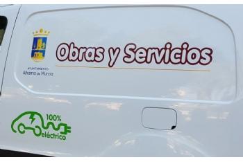 Presentación vehículo eléctrico de Obras y Servicios