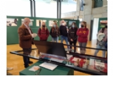 Estudiantes del IES Miguel Hernández visitan la exposición ´De la excavación al museo´