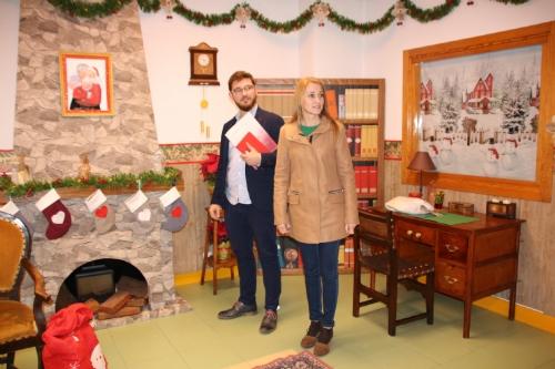 Montaje decorado casita Papá Noel