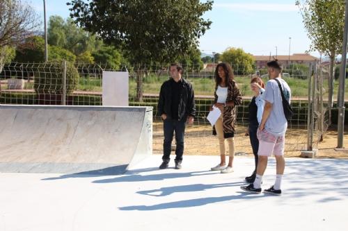 Reunión y visita al nuevo skate park