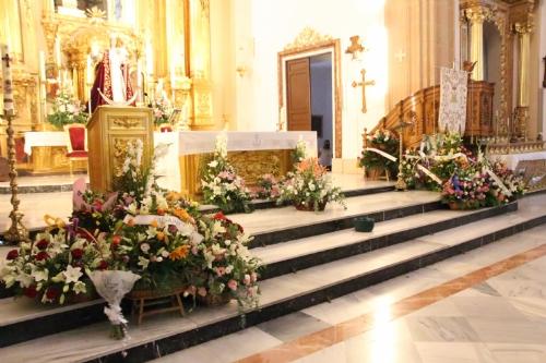 Ofrenda floral y misa