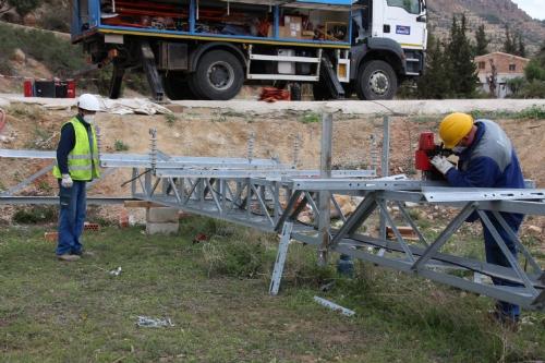 Desmontaje torreta de luz en El Praíco