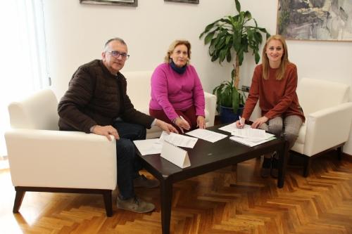 Firma convenio con La Candelaria