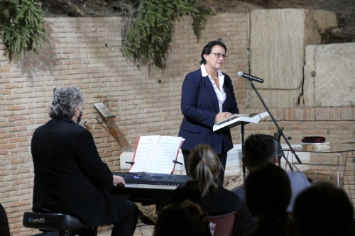 Presentación y recital poético del libro Te Necesito de Magdalena S Blesa
