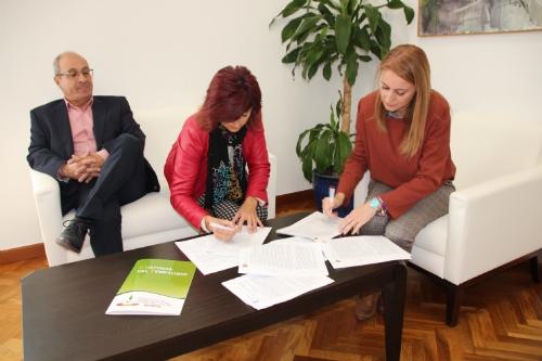 Firma convenio con Acude